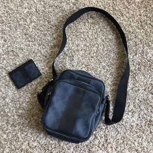 Coach purse with matching card holder leather